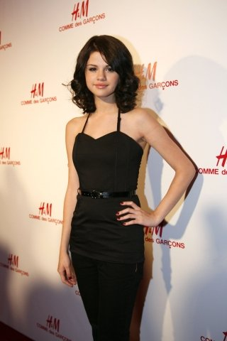 Selena Gomez Born on Selena Gomez Young Age  Selena Marie Gomez Was Born On