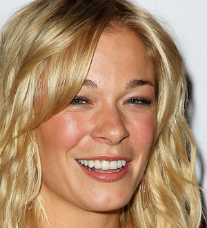 LEANN RIMES' EMOTIONAL PERFORMANCE FOR GAY TEENS