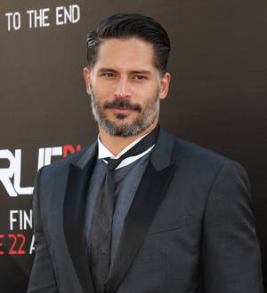 Young Hollywood | Joe Manganiello dating Sofia Vergara ...