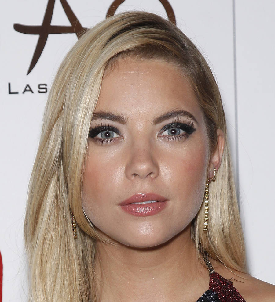 is ashley benson dating What do you want to say to fans completely freaking out over ashley benson's future on the show and hanna's well-being well.