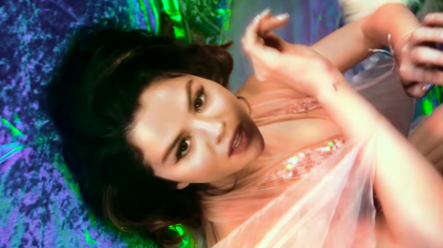 "5 Moments In Selena Gomez's New Video ""Rare"" That Make Us Speechless!"