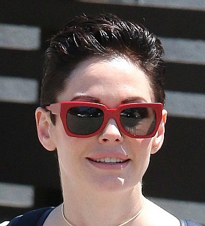 Rose McGowan criticizes Caitlyn Jenner over awards speech