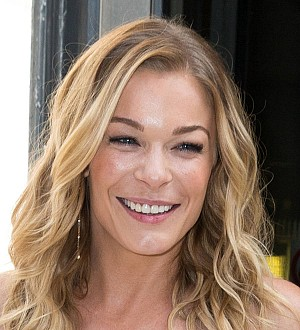 Leann Rimes is a big fan of face-shaving Kao Sori