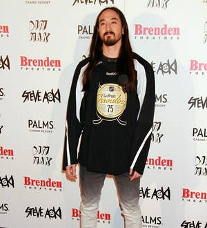 Steve Aoki to undergo vocal cord surgery