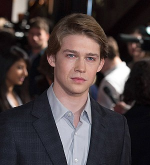 Taylor Swift's actor boyfriend Joe Alwyn to play Margot Robbie's lover