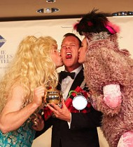 Kiefer Sutherland is Harvard's Man of the Year at Hasty Pudding ceremony
