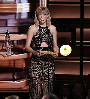 Taylor Swift congratulates Russell Westbrook on NBA Awards win