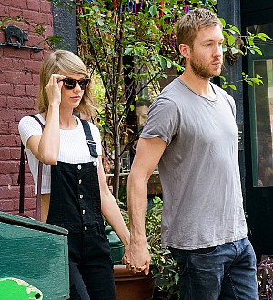 Taylor Swift not living with Calvin Harris