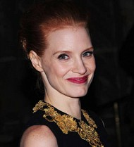 Jessica Chastain serenades reporter on birthday