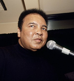 Muhammad Ali's son planning to sue over airport detainment
