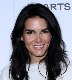 Angie Harmon attacked by pet duck