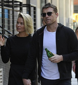 Lara Bingle refuses to address pregnancy rumors