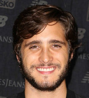 Director struck by lightning on new Diego Boneta TV series