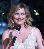 Jennifer Nettles becomes a mom