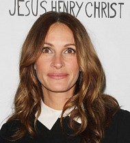 Julia Roberts signs up for doctor role in TV drama
