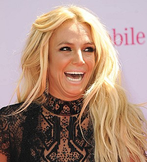 Britney Spears pranks comedian with late night bedroom performance