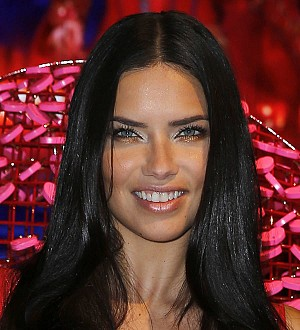 Adriana Lima dating sportsman Julian Edelman