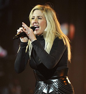 Ellie Goulding puts next album on hold