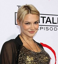 Samaire Armstrong becomes first-time mom