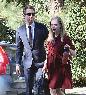 Amanda Seyfried makes red carpet comeback after daughter's birth