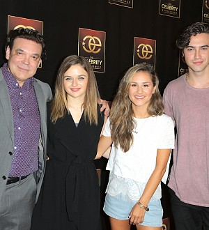Joey King & Ryan McCartan Inspire Young Actors at The Celebrity Experience!