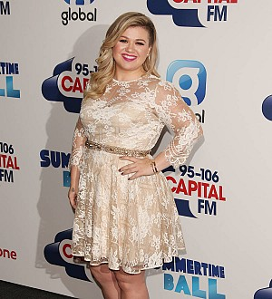 Kelly Clarkson 'died' from embarrassment after forgetting Obama's name