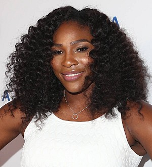 Serena Williams chases down phone thief