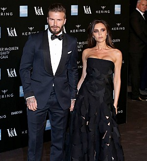 David Beckham honors mom, wife on U.K. Mother's Day
