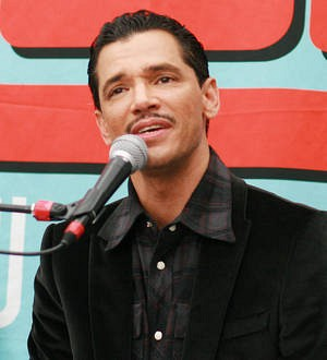 El DeBarge joining race for Christmas charts