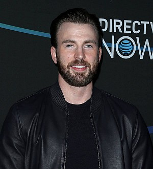 Chris Evans splits from girlfriend - report