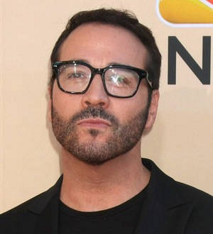 Jeremy Piven to hit Entourage press tour in character