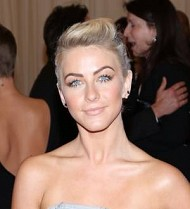 Julianne Hough's Met Ball experience got off to a flat start