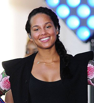 Alicia Keys dumped dairy for clear skin