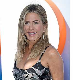 Jennifer Aniston broke co-star's rib on Office Christmas Party