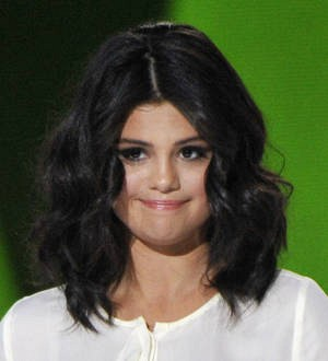 Selena Gomez lashes out at body critic