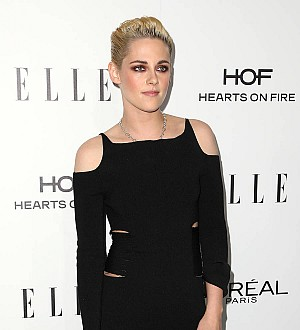 Kristen Stewart swears live on air during Saturday Night Live debut