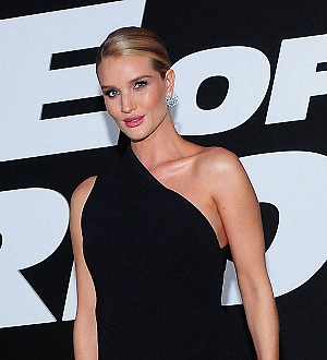 Rosie Huntington-Whiteley's selfie secret: 'I take 100!'