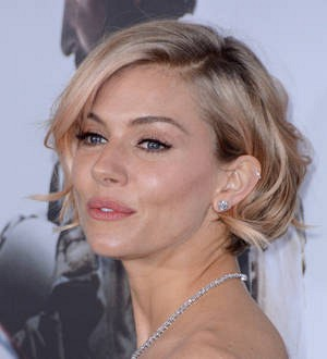 Sienna Miller caught up in Globes health emergency