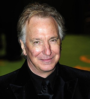 Harry Potter fans honor Alan Rickman at London station
