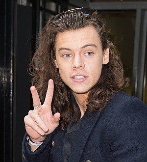 Harry Styles' mom praises singer for caring for sick grandfather