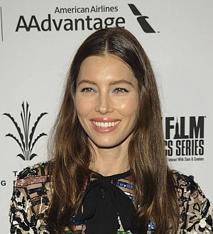 Jessica Biel nails multi-tasking by eating her meals in the shower