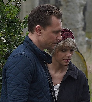 Taylor Swift and Tom Hiddleston enjoy a Roman holiday