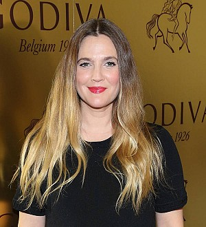 Drew Barrymore plans to spend holidays with her ex-husband