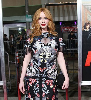 Christina Hendricks bruised her fingers in Fist Fight knife stunt