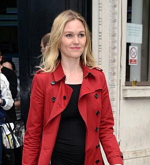 Julia Stiles 'very excited' to be an expectant mom