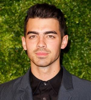 Joe Jonas opens his own restaurant