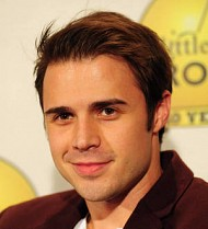 Kris Allen undergoes surgery after car accident