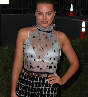 Margot Robbie Joins Growing Supervillain Roster in DC's 'Suicide Squad'