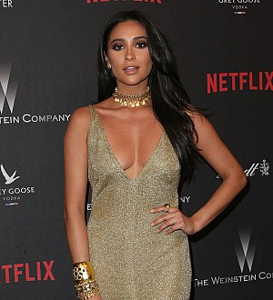 Shay Mitchell saved by assistant after dropping $33,000 bracelet in ocean