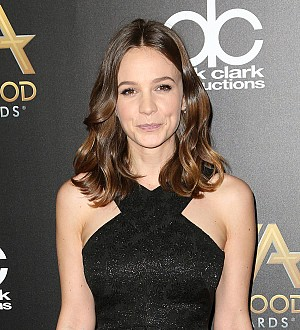 Carey Mulligan using music to bond with dementia-stricken grandmother